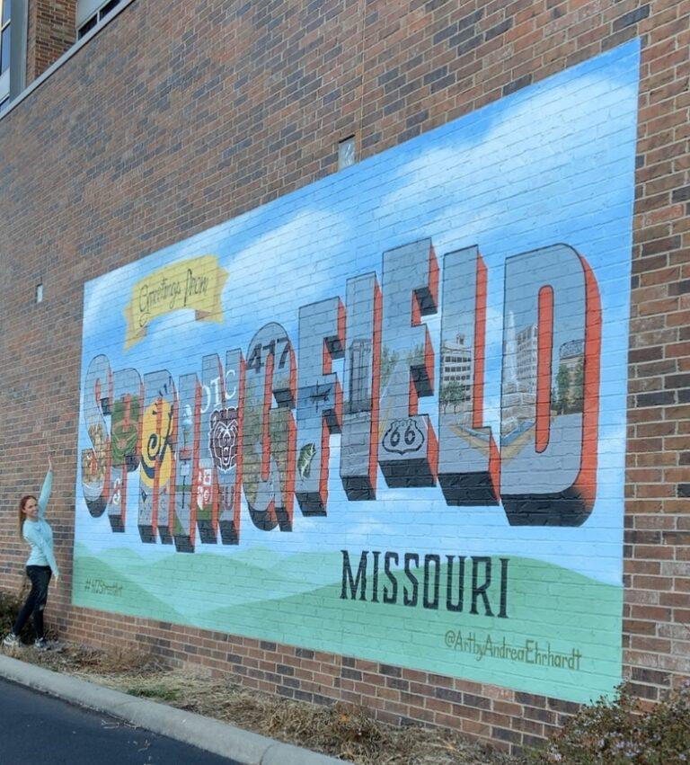 Andrea Ehrhardt mural in Springfield, Missouri
